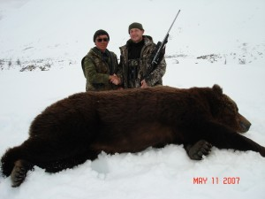 Sergei Shushunov brown bear hunt in Magadan